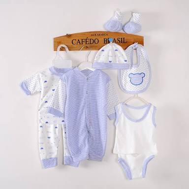 Newborn Baby Clothes: What You Really Need
